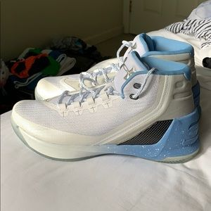Under Armour Curry 3 size 10 Brand new